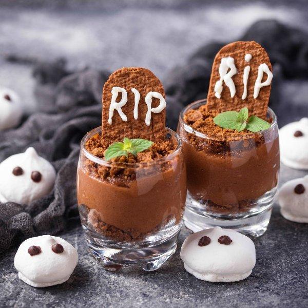 Picture of Graveyard Muddy Dessert Cups