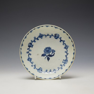 Liverpool John Pennington Scallop Shell and Flower Pattern Teabowl and Saucer c1780-85 (8)