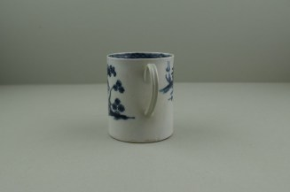 Liverpool Porcelain Pennington's Cannonball Pattern Coffee Can. 6