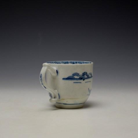 Lowestoft Elizabeth Johnson Pattern Coffee Cup c1765-68 (4)