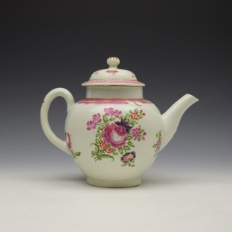 Lowestoft Floral Pattern Teapot and Matched Cover c1780 (4)