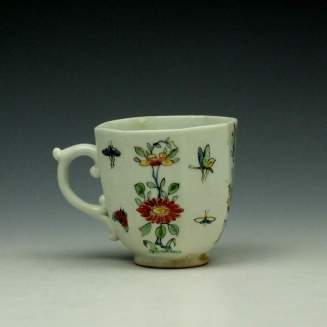 Worcester Octagonal Floral Pattern Coffee Cup c1752-53 (3)