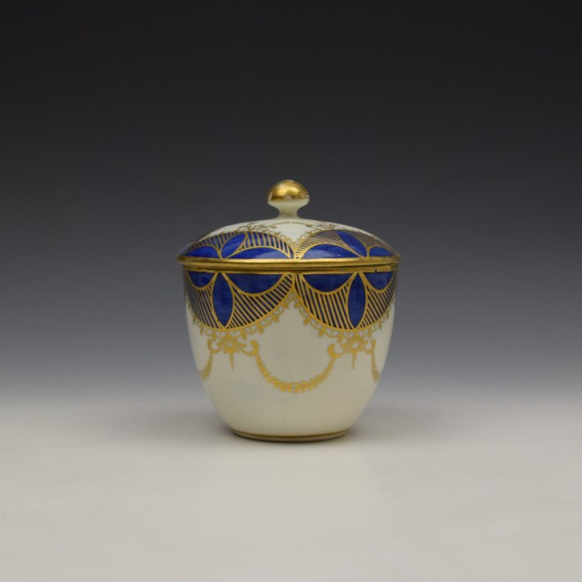Caughley Blue and Gold Garland Pattern Sucrier and Cover c1785-95 (1)