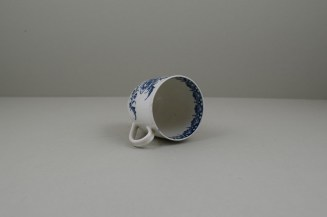 Caughley Porcelain Printed Peony Pattern Coffee Cup, C1778-85.9