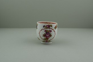 Lowestoft Porcelain Curtis Dark purple Flowers within a Border Pattern Coffee cup, C1775-85. 2