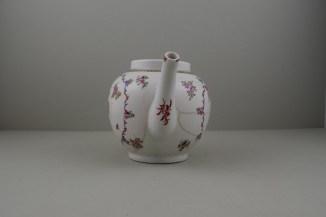 Lowestoft Porcelain Curtis Flowers Within a Border Pattern Teapot, C1775-95 (3)