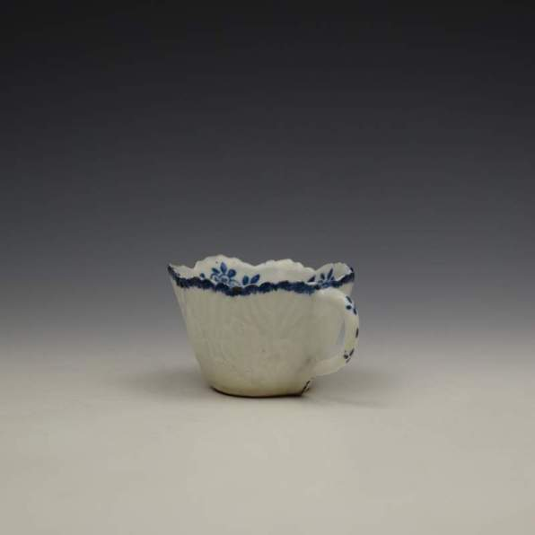Bow Daisy Pattern Butterboat c1755-65 (7)