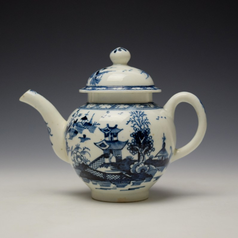 Lowestoft Pagoda and Zig Zag Fence Pattern Miniature Teapot and Cover c1775-85 (1)