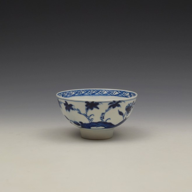 Bow Flowering Root Pattern Teabowl c1760 (1)