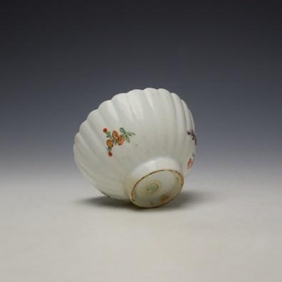 Lowestoft fluted floral teabowl and saucer c1785-90 (7)