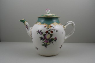 Worcester Porcelain James Giles Spotted Fruit Pattern Teapot, Cover and Stand, C1770 (2)