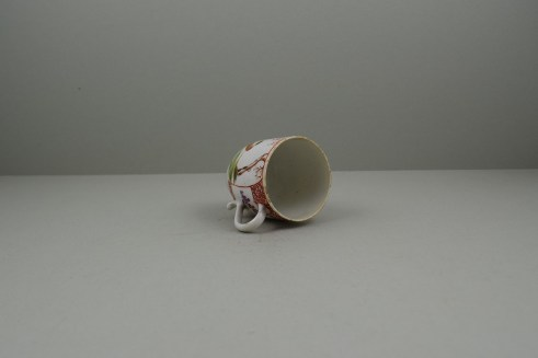 Lowestoft Porcelain Lady Seated Under a Tree Pattern Coffee cup, C1785-95. 8