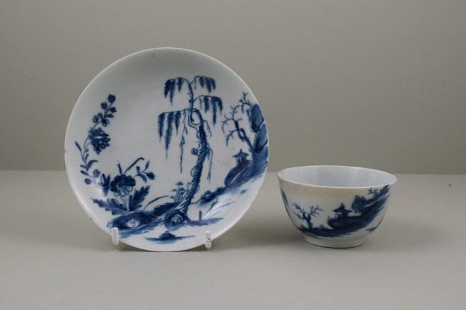 Worcester Porcelain Lanslip Pattern Teabowl and Saucer, C1755-60 (1)