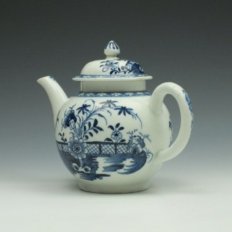 Lowestoft Porcelain Fence Peony Willow Pattern Teapot and Cover c1770-75 (6)