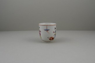 Worcester Porcelain Mother and Naughty Children Pattern Mandarin Coffee Cup, C1770 (2)