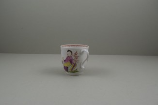 Lowestoft Porcelain Mandarin Parrot and Butterfly Pattern Coffee Cup and Saucer, C1785. 7