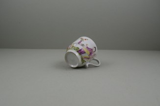 Lowestoft Porcelain Mandarin Parrot and Butterfly Pattern Coffee Cup and Saucer, C1785. 8