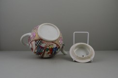 Caughley Mandarin Pattern Teapot and Cover, C1780 (10)