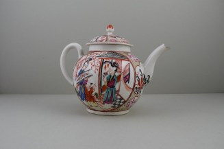 Caughley Mandarin Pattern Teapot and Cover, C1780 (5)