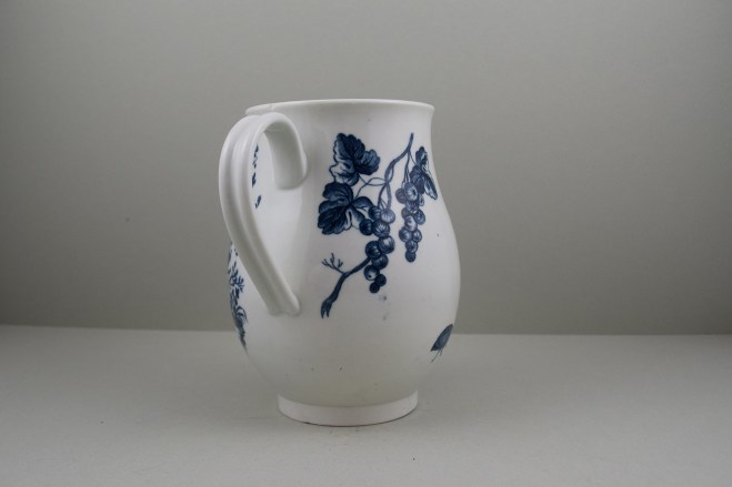 Worcester First Period Porcelain Parrot Pecking Fruit Pattern Large Size Bell Shaped Mug, C1770-85 (6)