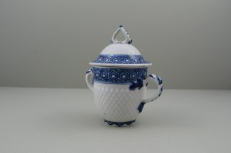 Bow Porcelain Pinecone Moulded Cell Border Pattern Chocolate Cup Cover and Stand. 5