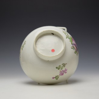 Lowestoft Polychrome Rose and Flower Sprays Pattern Slop Bowl, c1770-75 (6)