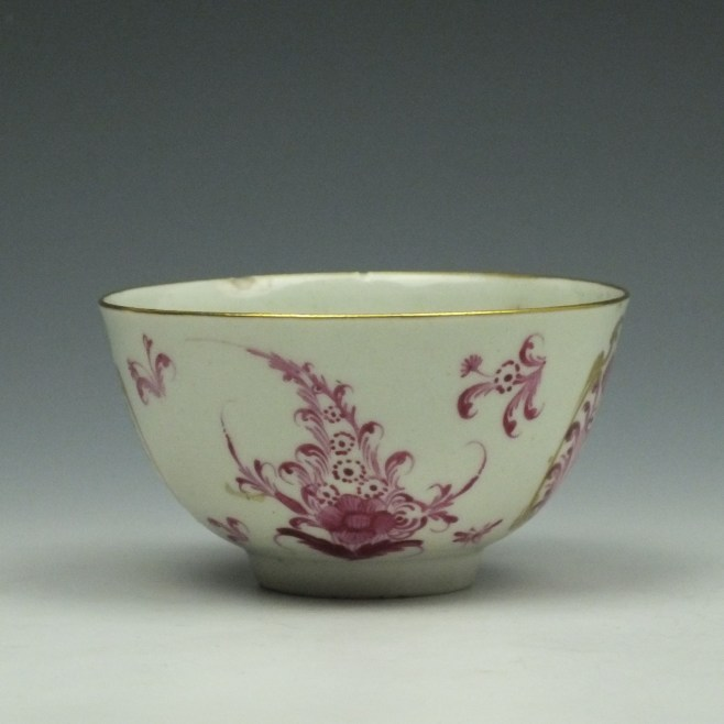 Worcester First Period Puce Floral Pattern Trio c1765-75 (9)