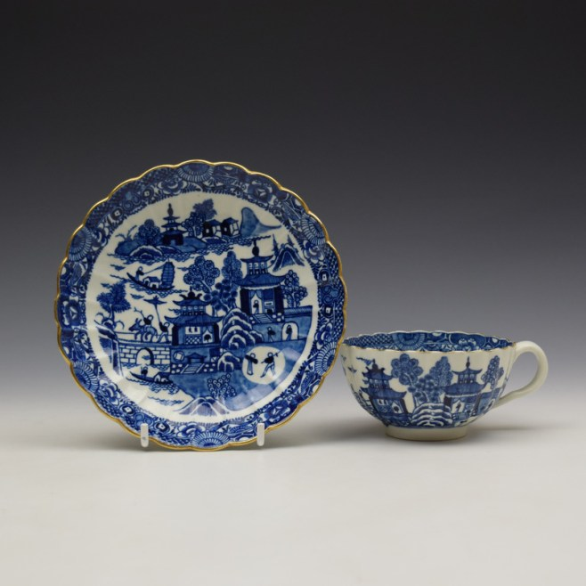 Worcester The Caughley Temple Pattern Teacup and Saucer c1780-90 (1)