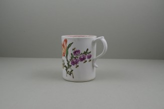 Lowestoft Porcelain Tulip Painter Mug, C1768-70. 7