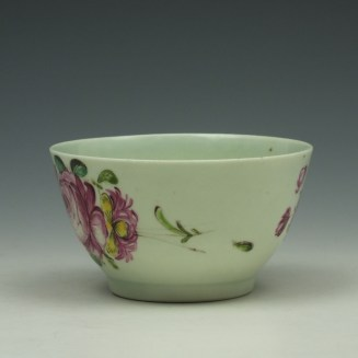 Liverpool Richard Chaffers Rose Pattern Teabowl and Saucer c1760-62 (6)