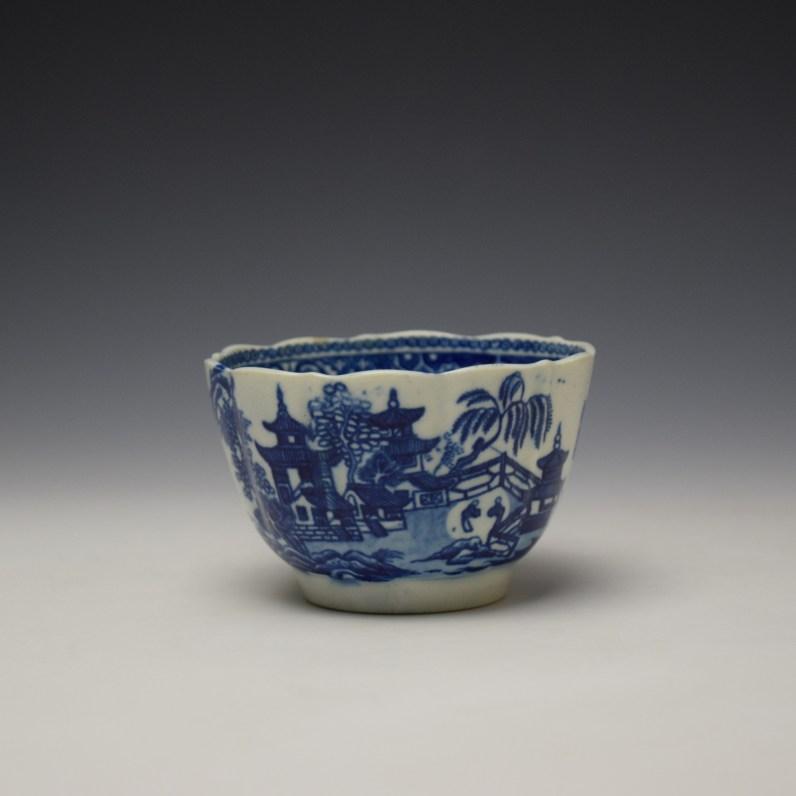 Worcester Temple Pattern Teabowl c1780-90 (1)