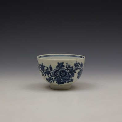 Lowestoft Three Flowers Pattern Teabowl and Saucer c1780-85 (2)