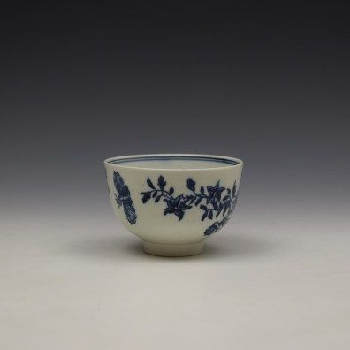 Lowestoft Three Flowers Pattern Teabowl and Saucer c1780-85 (3)