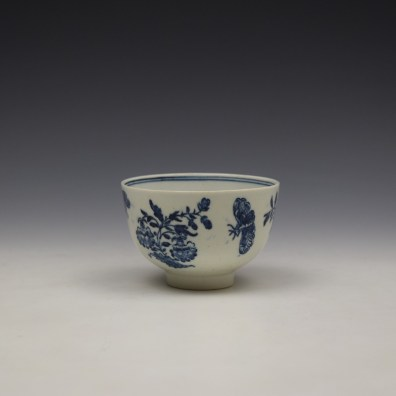 Lowestoft Three Flowers Pattern Teabowl and Saucer c1780-85 (4)