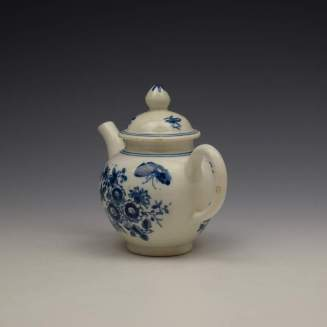 Lowestoft Three Flowers Pattern Toy Teapot and Cover c1770-80 (6)
