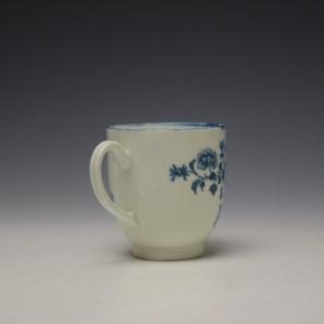 Worcester Three Ladies Pattern Coffee Cup c1770-80 (4)