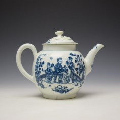 Worcester Three Ladies Pattern Teapot and Cover c1770-80 (4)