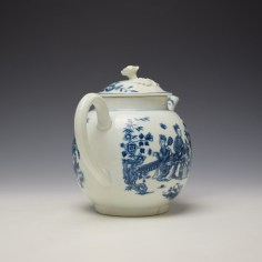 Worcester Three Ladies Pattern Teapot and Cover c1770-80 (5)