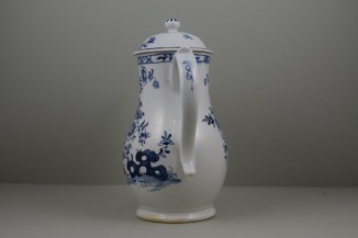 Lowestoft Porcelain Three Peony and Rock Pattern Coffee Pot and Cover, C1770-85 (7)