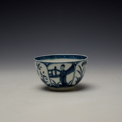 Worcester Arcade Pattern Teabowl and Saucer c1765-70 (2)