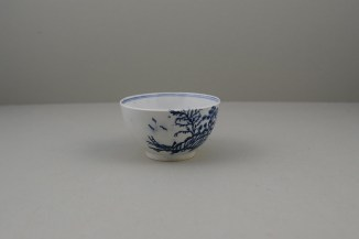 Lowestoft Porcelain Rock Strata Pattern Teabowl and Saucer, C1770-80 (3)