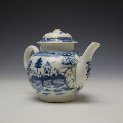 Uncommon Lowestoft Two Pagoda and Walled Garden Teapot and Cover c1780-90 (4)