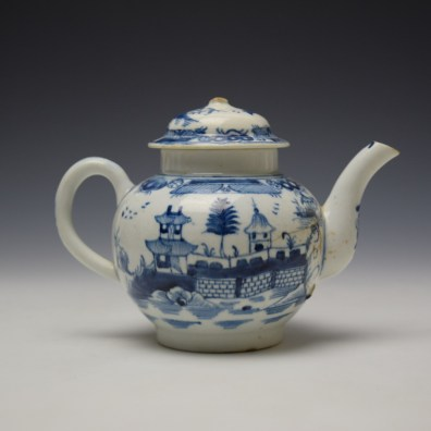 Uncommon Lowestoft Two Pagoda and Walled Garden Teapot and Cover c1780-90 (5)