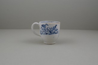 Lowestoft Porcelain Chinese Tea Party Pattern Coffee Cup, C1770 (4)