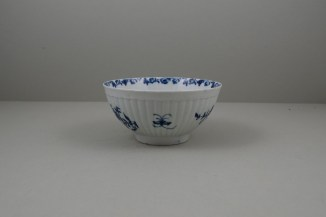 Worcester Porcelain Dr Wall The Reeded Teaware Centre Pattern Slop Bowl, C1755 (3)