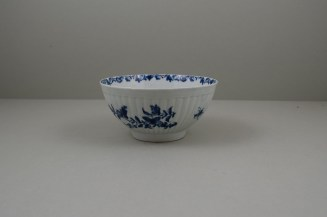 Worcester Porcelain Dr Wall The Reeded Teaware Centre Pattern Slop Bowl, C1755 (7)