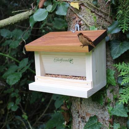 Vogelfuttersilo Haus
