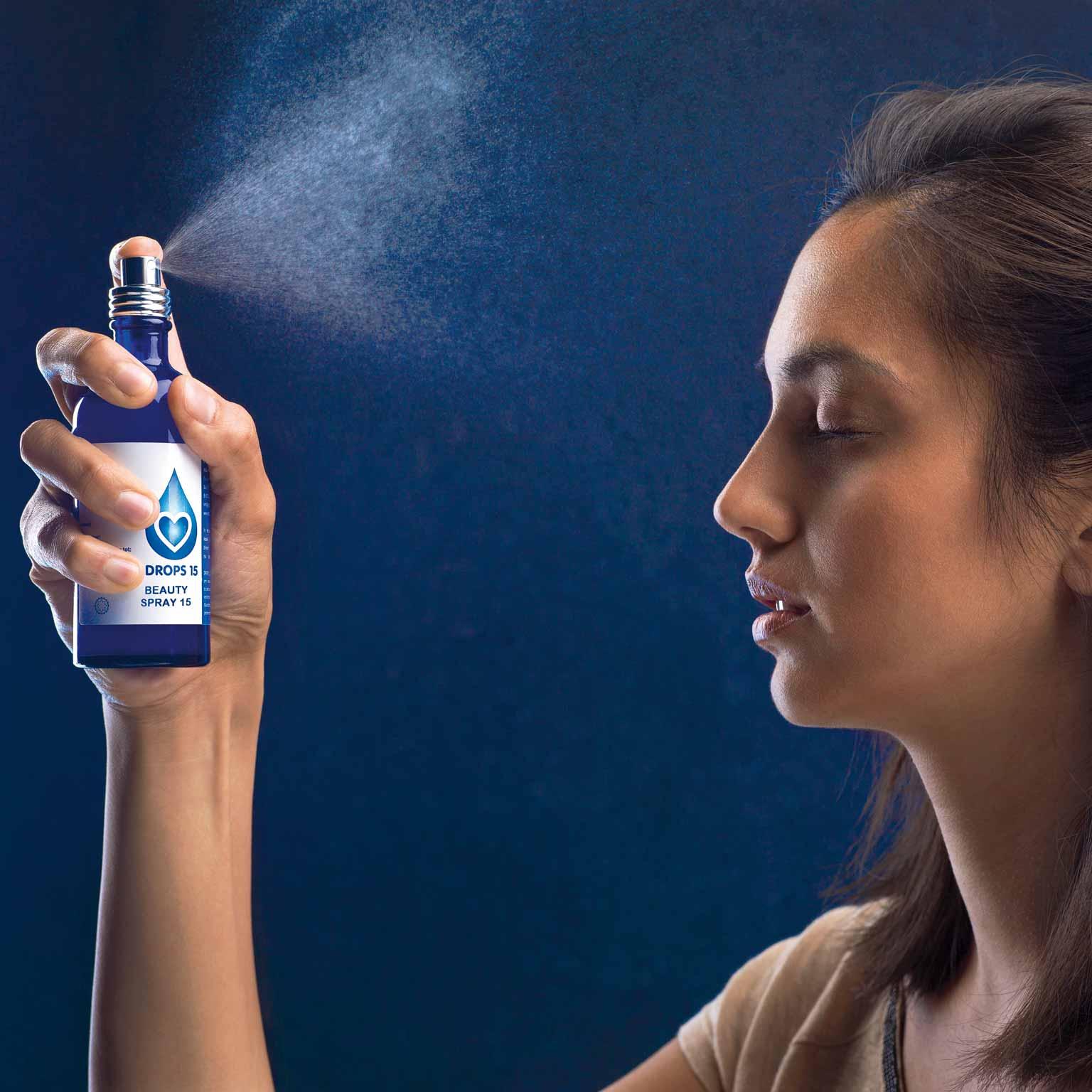 BEAUTY-SPRAY-anti-aging-huid-en-gewrichten-in-gebruik