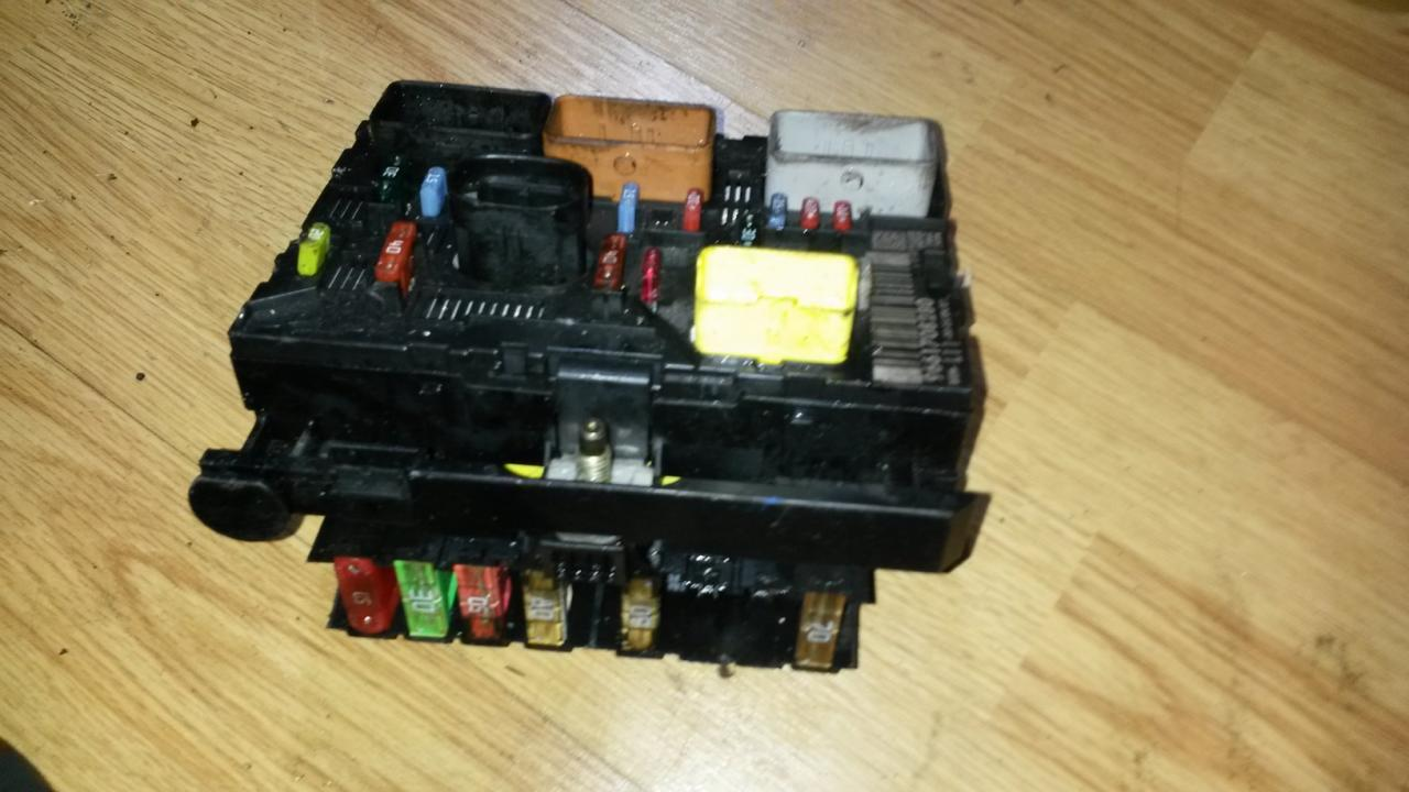 hight resolution of 9661708280 bsml1100 fuse box peugeot 307 2005 1 6l 45eur eis00039322