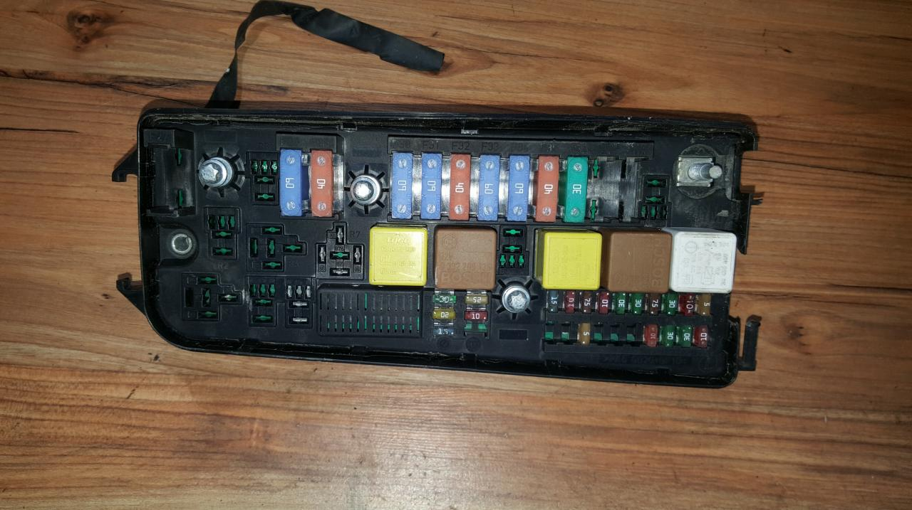 hight resolution of 93177488 6238049 13 144 710 519067029 fuse box opel vectra 2003 2 0l 20eur